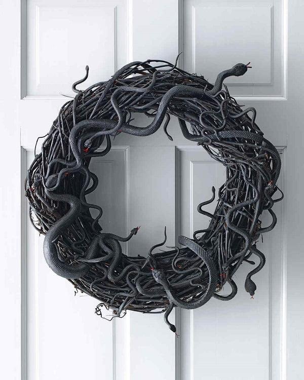 How to make  Halloween snake wreath