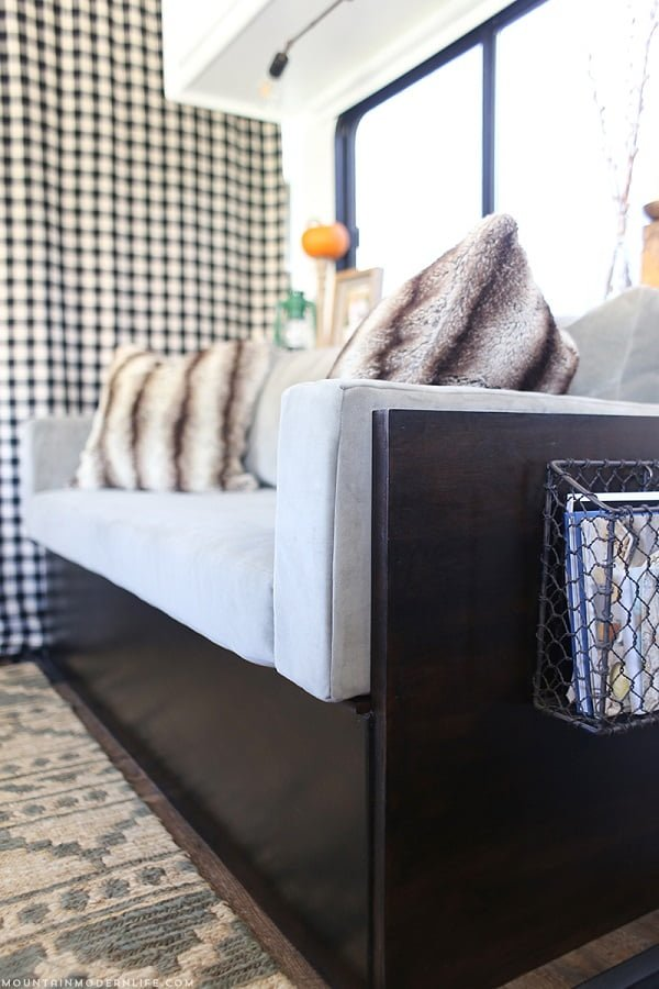 How to build a small #DIY couch #homedecor