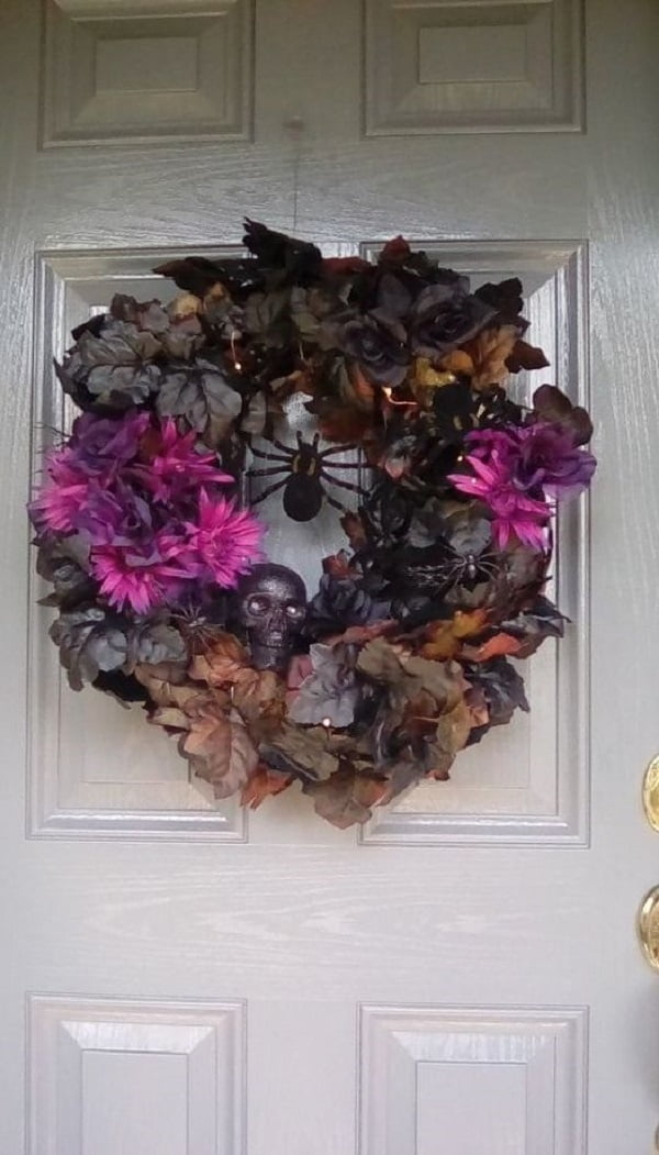 How to make a  spooky floral  wreath