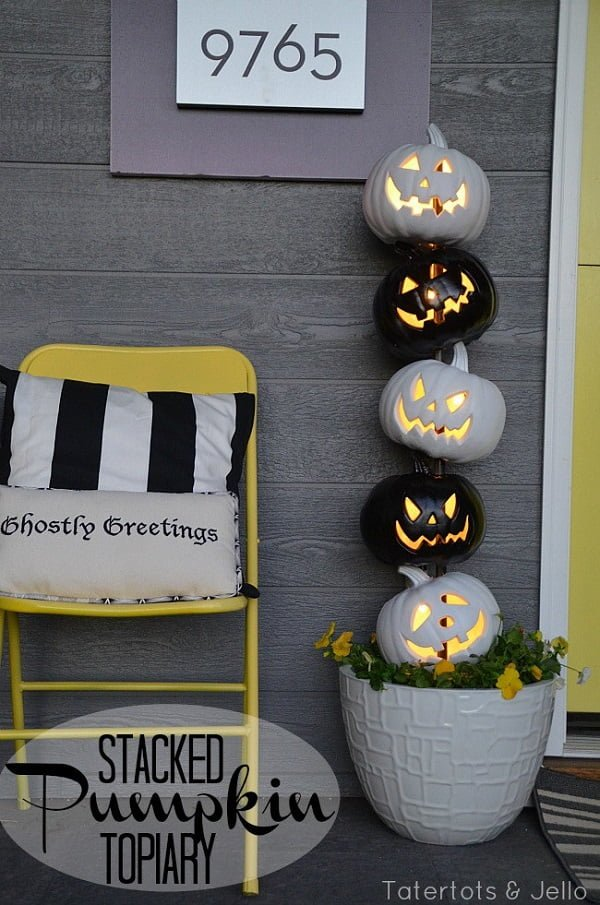 How to make a  stacked pumpkins  outdoor decoration