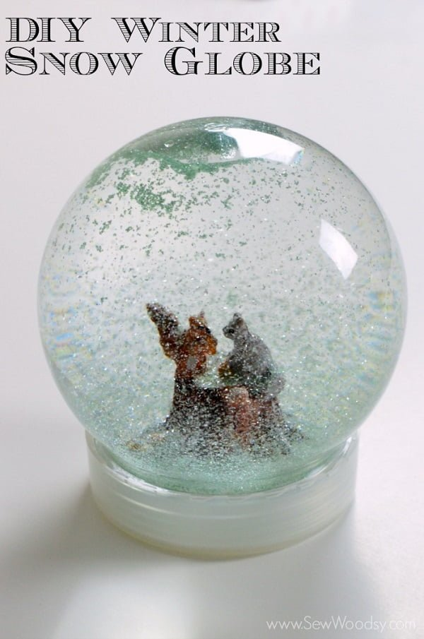 How to make a glittery  snow globe