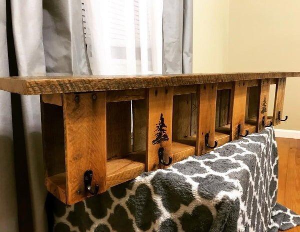Pallet art coat rack idea #homedecor #rustic