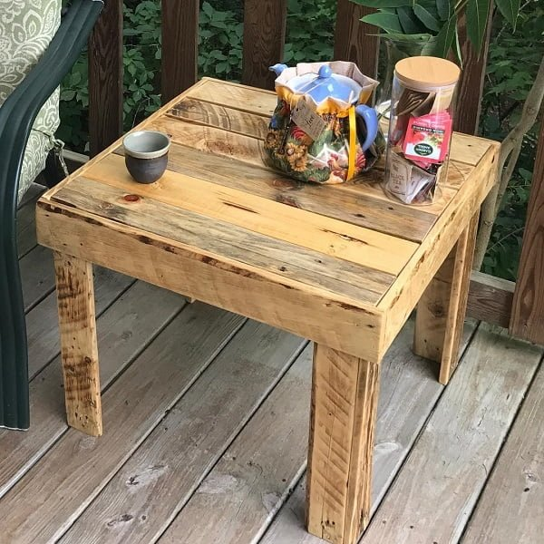 Pallet art patio furniture idea