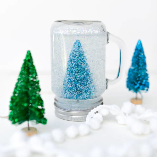 How to make a sparkling  snow globe