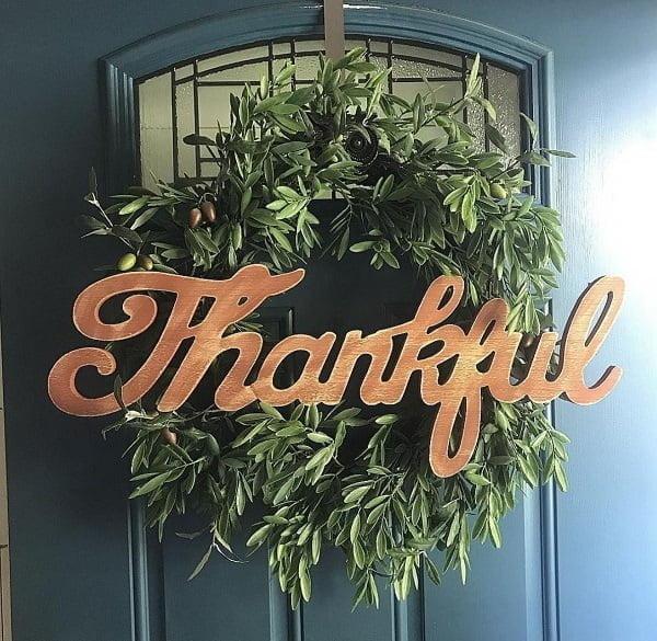 Thankful wreath front door decor idea #homedecor