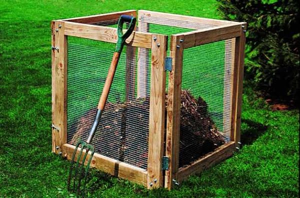 How to build a #DIY boxed compost bin #gardening