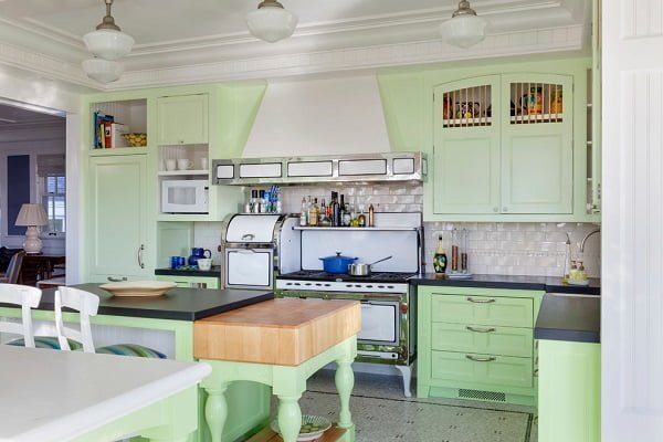 Antique style green kitchen cabinets #homedecor
