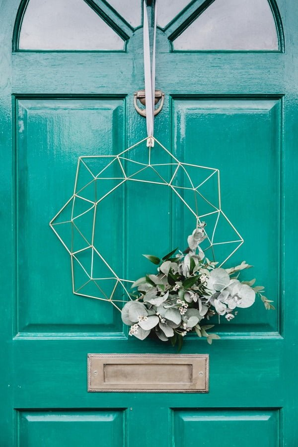 Geometric Wire Frame Floral Wreath