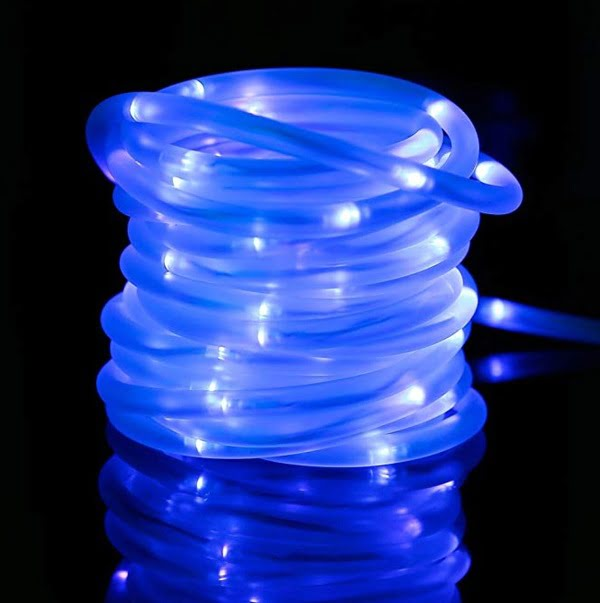 Dimmable blue solar rope lights