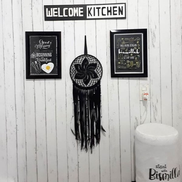 Boho hanging kitchen wall art idea