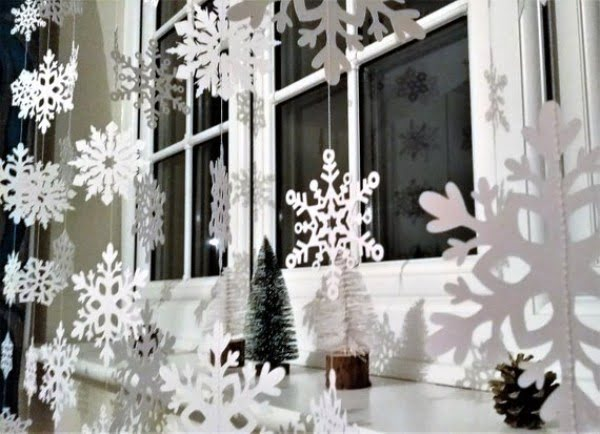 20 Easy Christmas Window Decorating Ideas For 2018