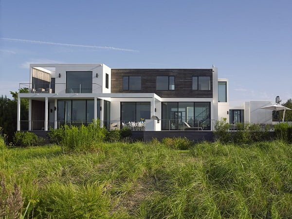 Cool modern house on the bay