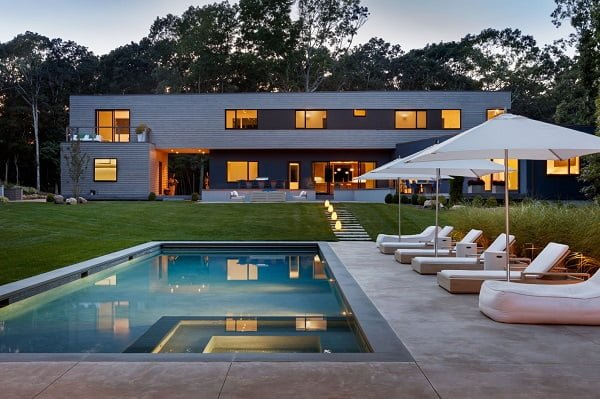 Cool modern house on the lakeside
