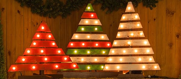 How to make #DIY pallet #Christmas marquee trees #homedecor