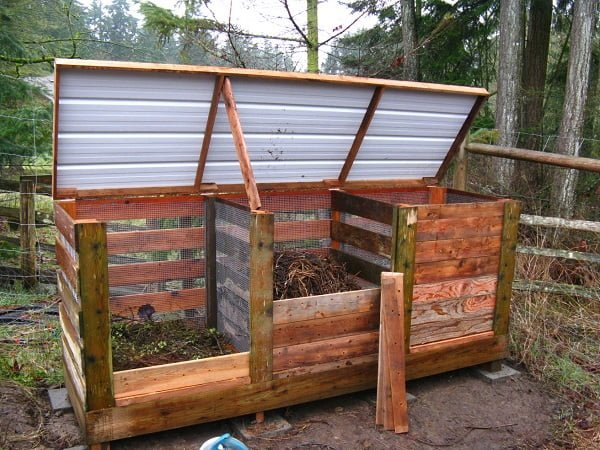 How to build a #DIY three part compost bin #gardening
