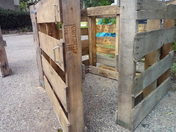How to make a #DIY pallet compost bin #gardening
