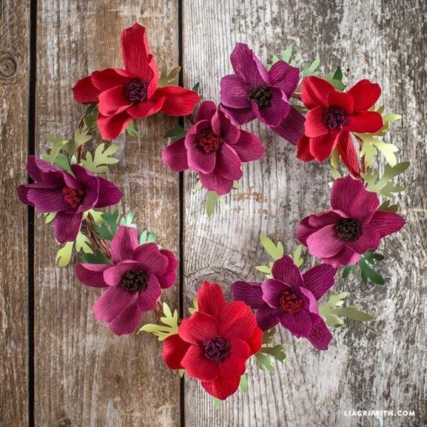 #DIY Crepe Paper Floral Wreath #wreaths