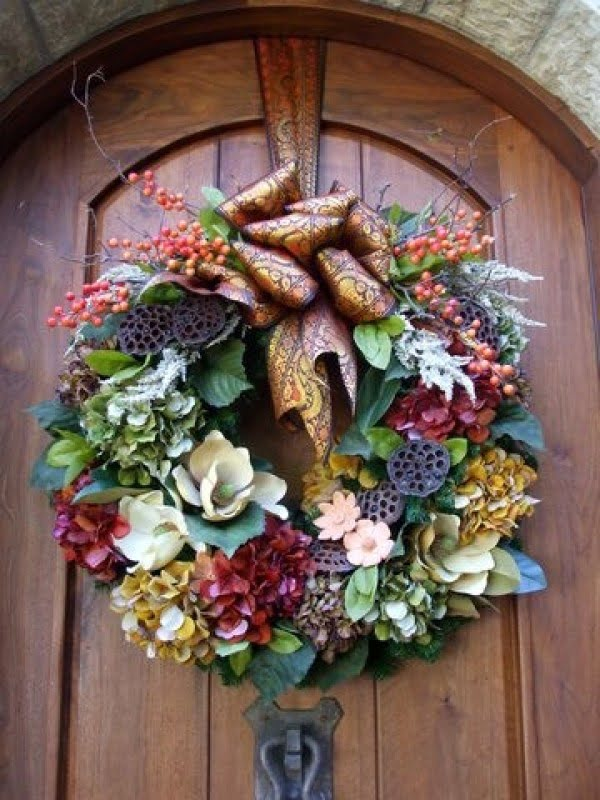 Earthy Floral Wreath Idea #wreaths