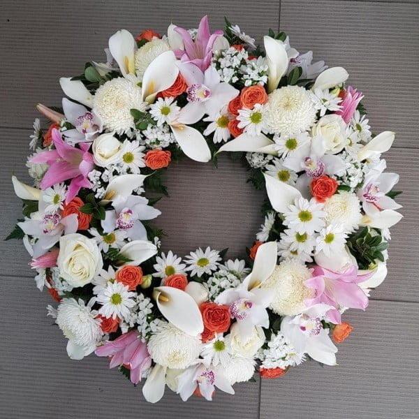 White Flower Wreath Idea #wreath