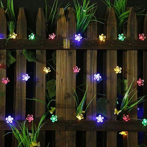 Flower solar string lights