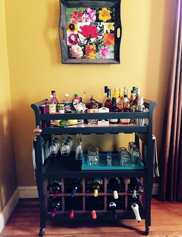 Turn an Old Crib into a Home Bar #homedecor