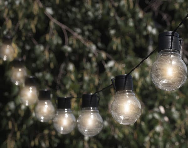 Light bulb solar string lights