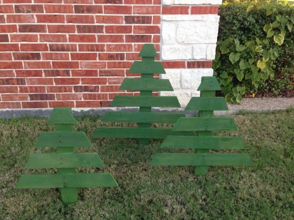 How to make #DIY pallet #Christmas trees #homedecor