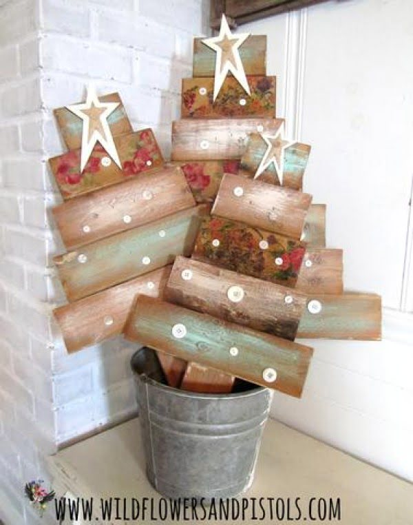 Shabby chic pallet #Christmas trees #homedecor