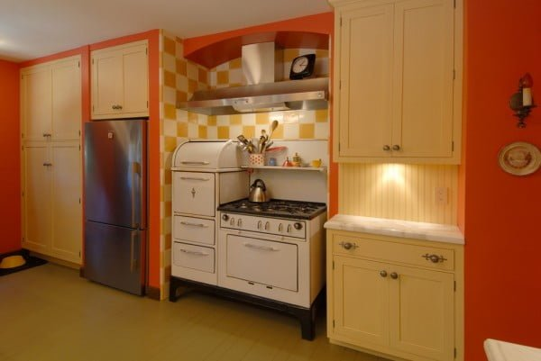 Vibrant Orange Retro Kitchen #kitchendesign