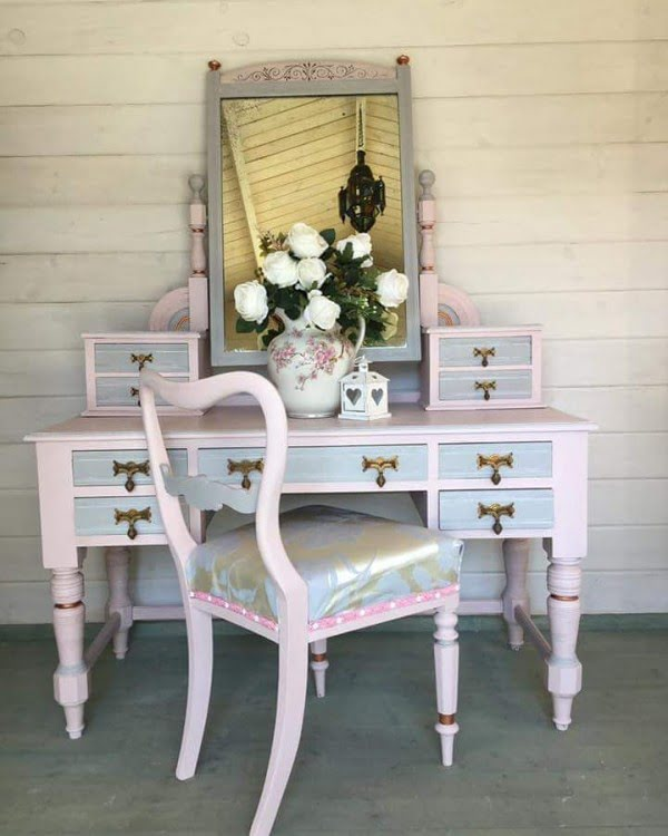 Pale Pink Shabby Chic Makeup Vanity