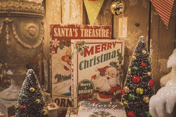 Vintage Christmas Books #christmasdecor