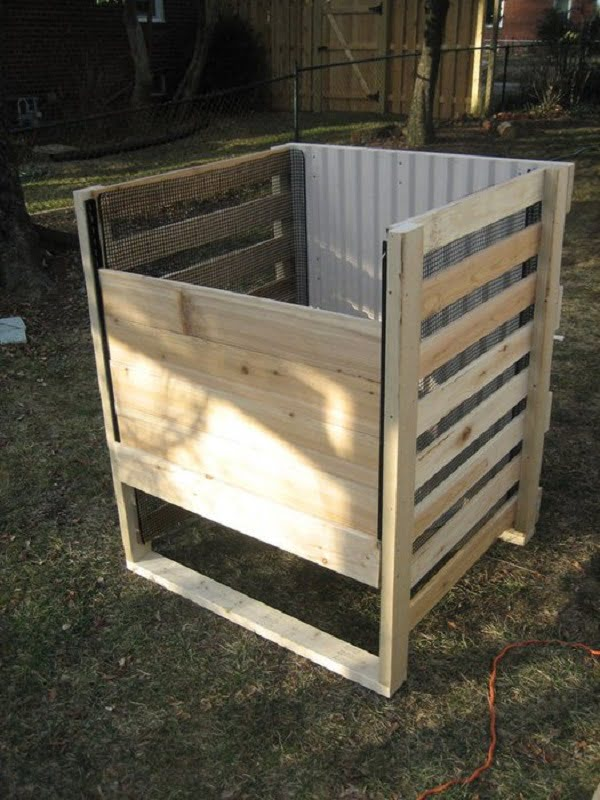 How to build a #DIY wooden frame compost bin #homedecor
