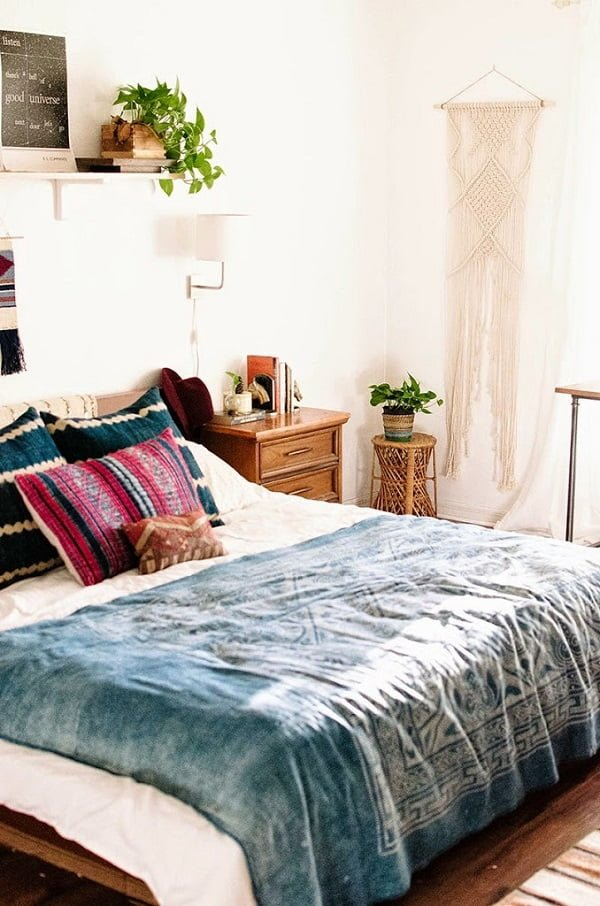 Woven wall hanging boho bedroom