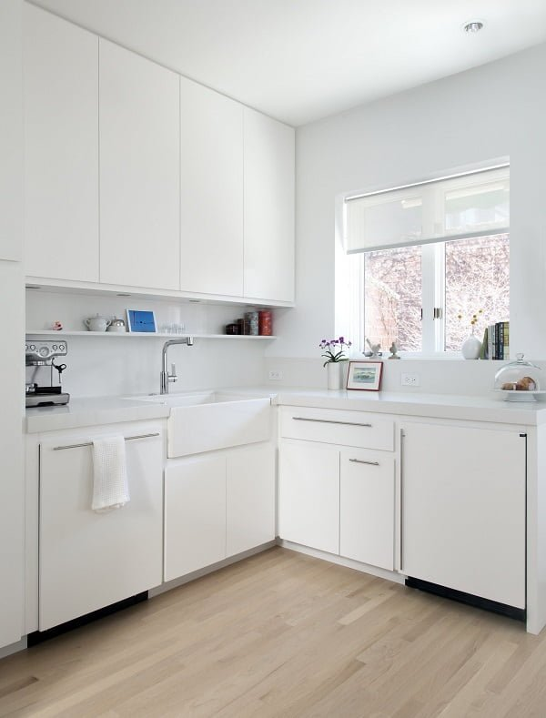 All White Kitchen Cabinet Idea #kitchendesign