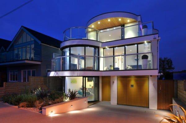 Curvy Modern House