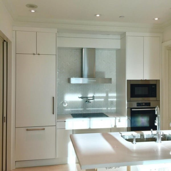 Small Kitchen with White Cabinets #kitchendesign