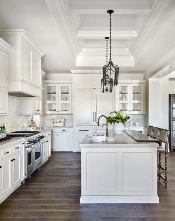 Modern Farmhouse Kitchen with White Cabinets and Dark Wood Floor #kitchendesign