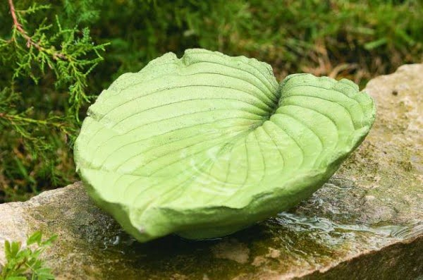 DIY Leaf Bird Bath