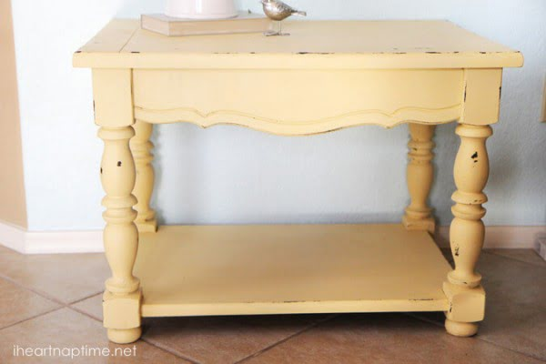 How to make chalk paint #DIY #homedecor #chalkpaint #makeover