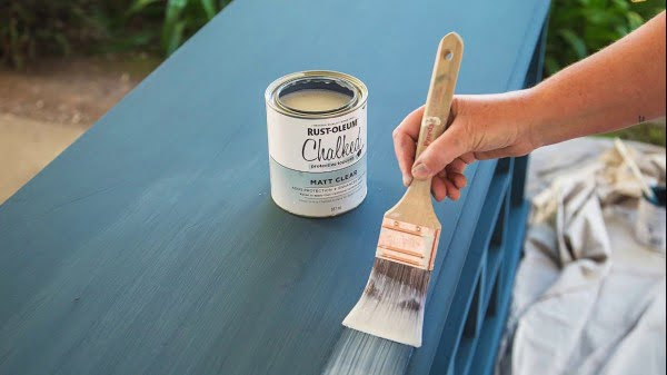 DIY Chalk Paint Dresser #DIY #homedecor #chalkpaint #makeover
