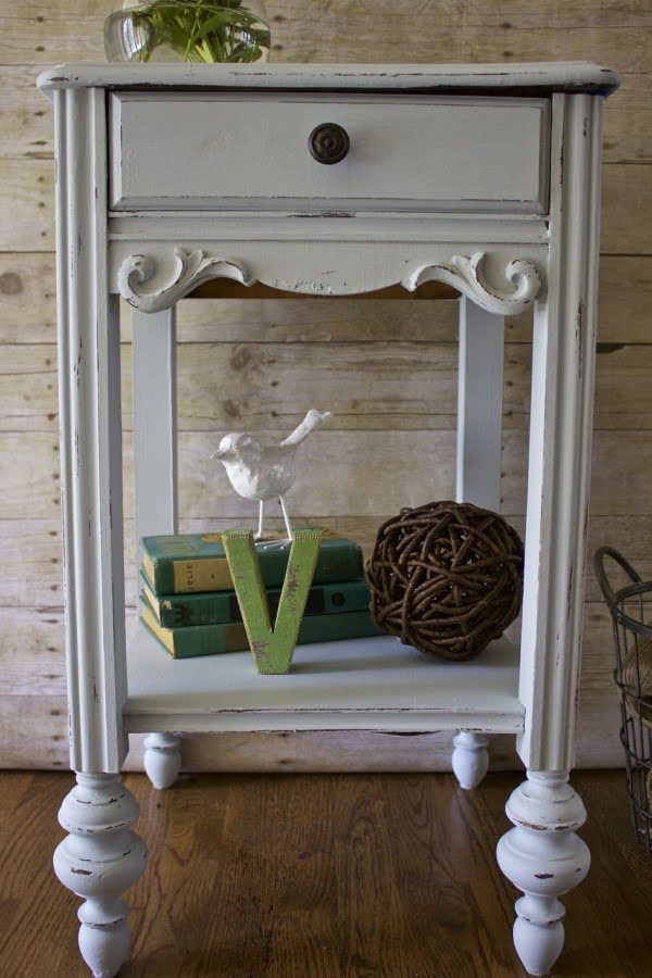 How to Chalk Paint Furniture #DIY #homedecor #chalkpaint #makeover