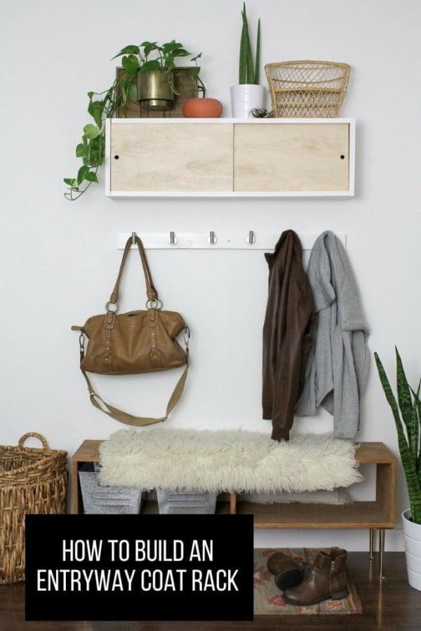 Simple DIY Coat Rack – HAWTHORNE AND MAIN #DIY #homedecor #organization