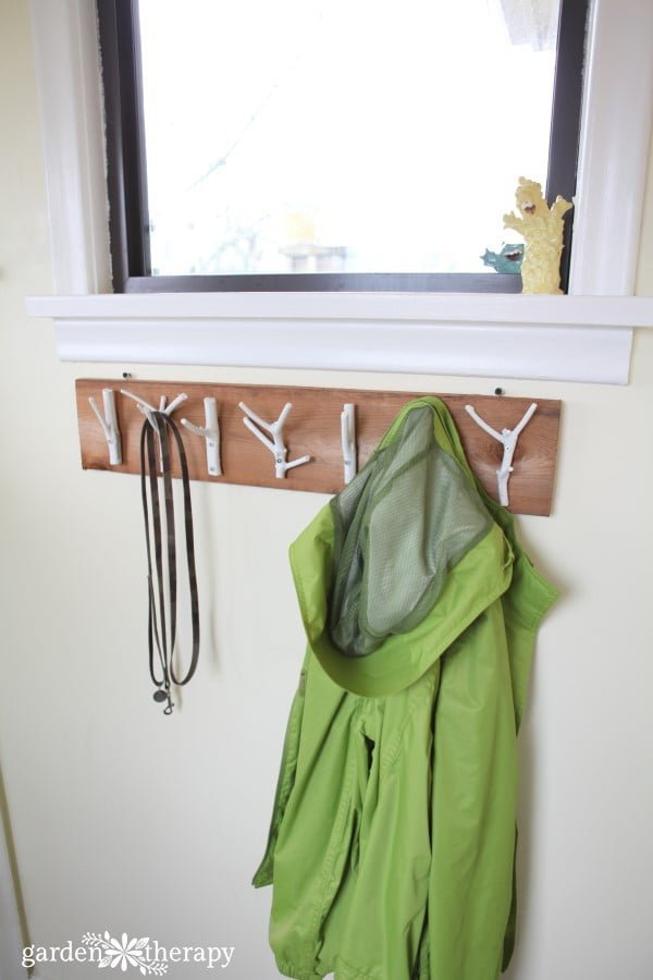 Bring the Outdoors in with This DIY Natural Branch Coat Rack #DIY #homedecor #organization