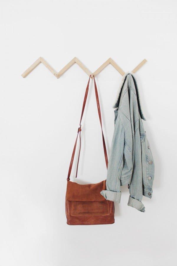 DIY zig zag coat rack #DIY #homedecor #organization