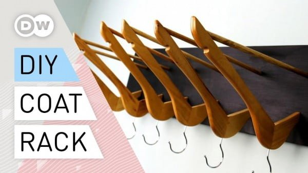 Coat rack out of clothes hangers #DIY #homedecor #organization