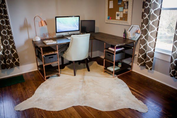 Copper Pipe DIY Computer Desk #DIY #homedecor #furniture