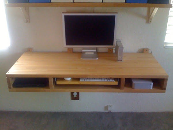 DIY Project: Make Your Own Floating Computer Desk Using Countertops #DIY #homedecor #furniture