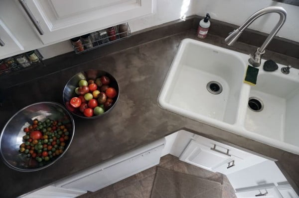 DIY Concrete Countertops Over Laminate Surfaces #DIY #kitchendesign #homedecor