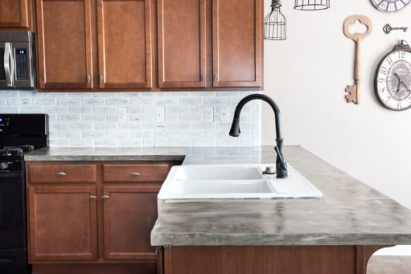 DIY Feather Finish Concrete Countertops #DIY #kitchendesign #homedecor