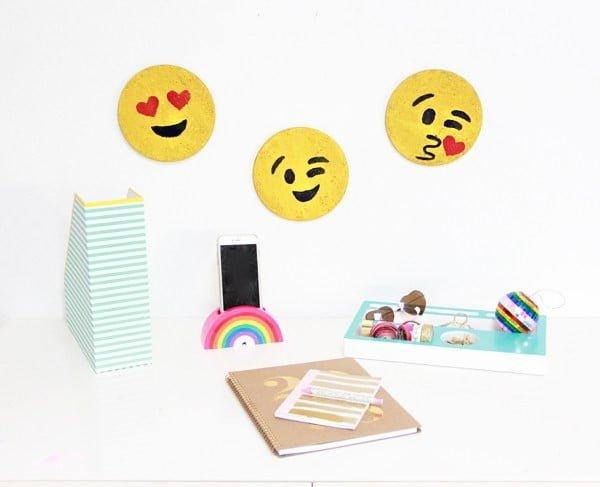 Emoji Cork Board DIY
